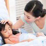 5 sai lầm nghiêm trọng khi chăm con bị ốm mà cha mẹ hay mắc phải